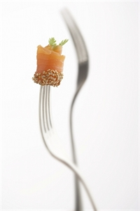 Picture of Salmon smoked vertical, whole fillet, skin on, size 900-1.300 gr.